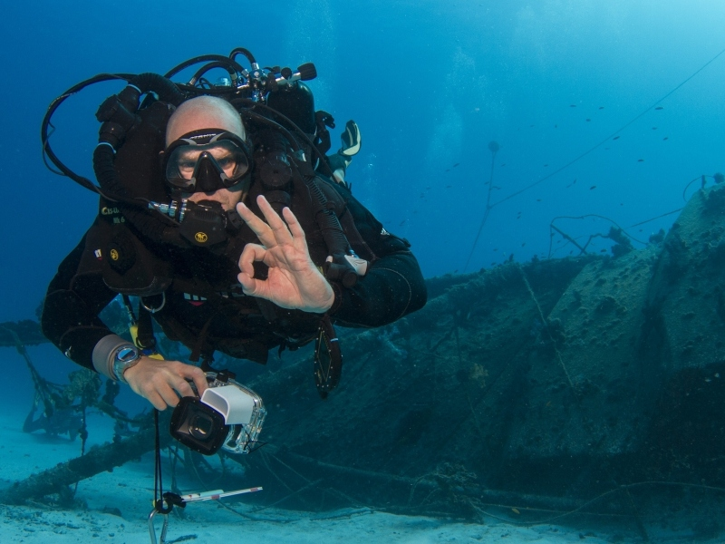 Diving-the-Severance-with-Rebreather-Fabrice-Jaine
