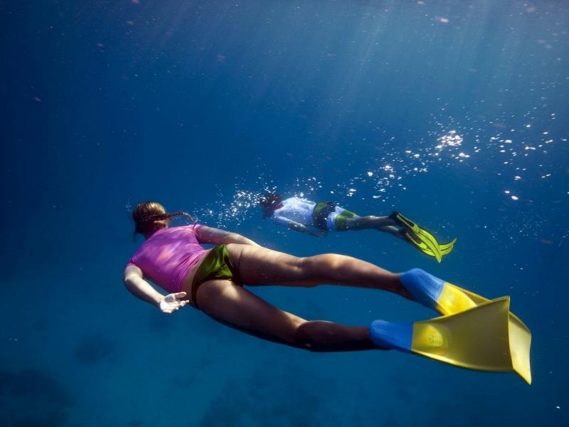 Snorkelling-Tourism-Australia